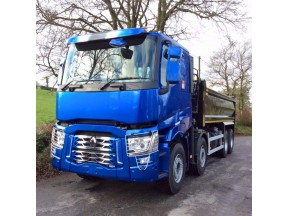 Renault Tipper Truck - Cab Sprayed in Greenline Viper blue, and lacquered using CP1500, Tipper Body sprayed in our commercial CP77 2k Ral 9005 Black for a high quality durable paint with a high gloss finish.