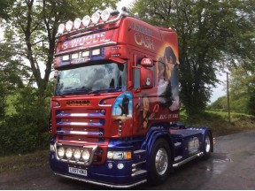 Johnny Cash Scania - Sprayed with Custom Candy Red and Candy Blue and Lacquered using Crystal Lacquer kit